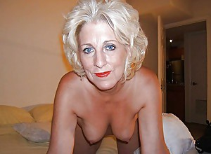 Amateur MILF Is Ready In The Bedroom