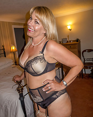 Big Girls in Lingerie 18